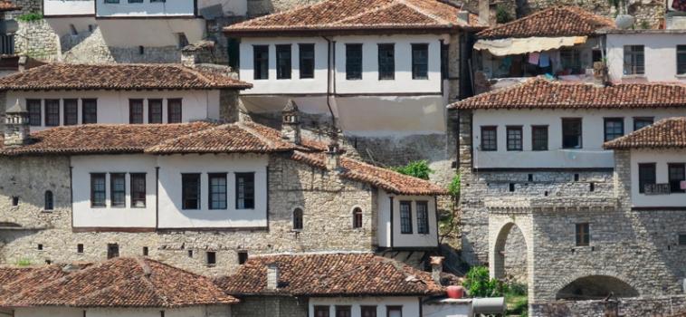 Berat: la ciutat de les mil finestres d'Albània
